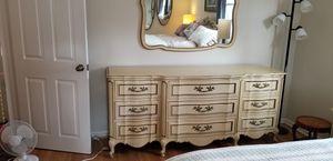 6 pc Vintage Bedroom Set-King Headboard for Sale in Blackwood, NJ
