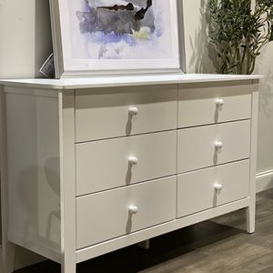 "Adorable baby dresser by Million Dollar Baby/Carter by Divinci. 34"" H x 52"" W x 19"" D. Beautiful and solid! MSRP $299. Our price $200 + sales tax for Sale in Woodstock, GA"