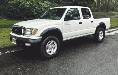 20/02 Toyota Tacoma SR5 4-DOOR 4X4 for Sale in Anaheim,  CA