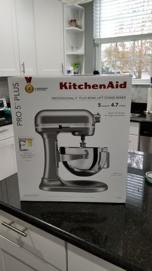 Kitchen Aid Professional 5 Plus Series 5 Quart Stand Mixer - Silver KV25G0XSL NEW for Sale in Chesapeake, VA