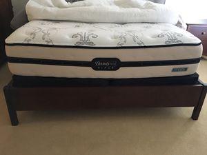 Queen size mattress- Beauty Rest Black for Sale in Boston, MA