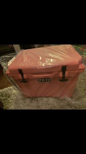 Yetti cooler for Sale in Jacksonville, FL