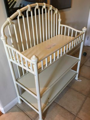 Crib & Changing Table for Sale in Richmond, CA