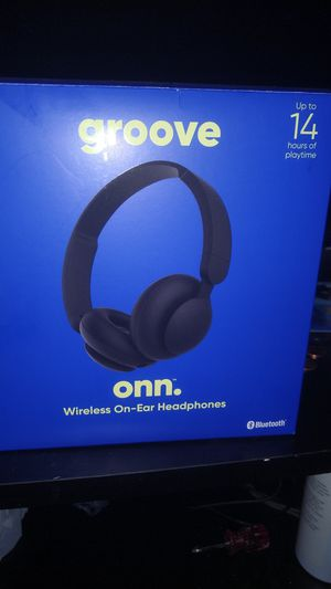 Onn Bluetooth headphones for Sale in East Alton, IL