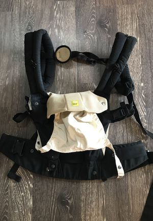 Lille baby carrier for Sale in Snohomish, WA