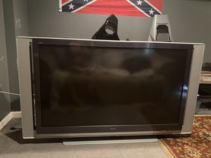 60 inch Sony tv needs new bulb for Sale in Maple Valley, WA
