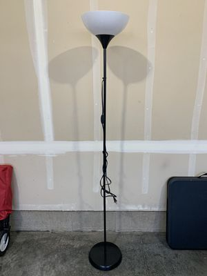 Working floor stand lamp for Sale in Vancouver, WA