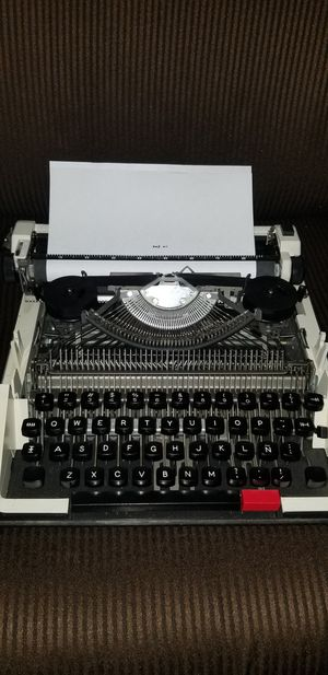 typewriter for Sale in Sanger, CA