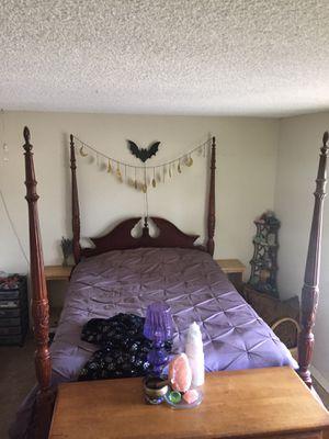 Bed frame for Sale in Ventura, CA