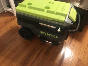Igloo heavy duty cooler for Sale in Queens, NY