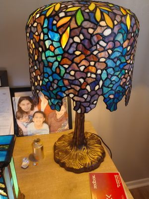Dale Tiffany wisteria table lamp for Sale in Warner Robins, GA