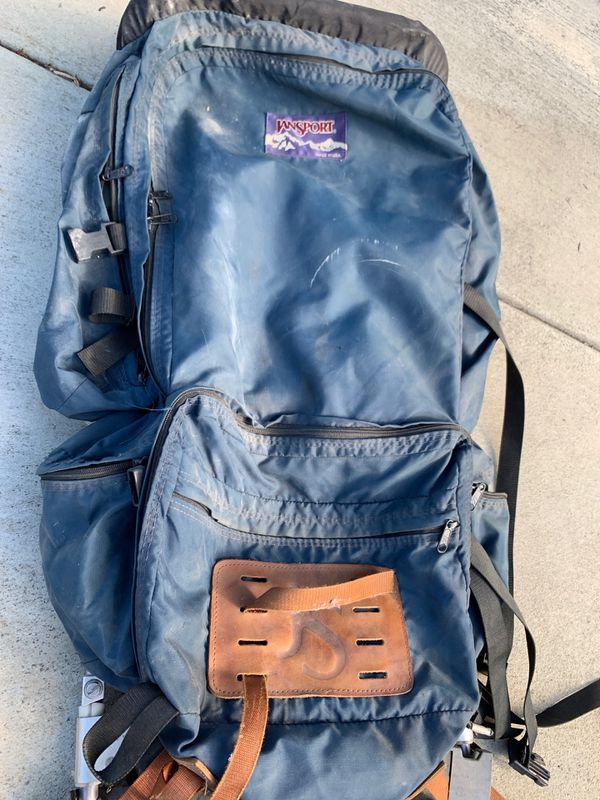 JANSPORT BACKPACKING BACKPACK made in the USA used in good condition