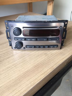 Radio and and speaker hummer h3 for Sale in Murfreesboro, TN