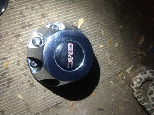 2011-2017 GMC 3500 dually center cap for Sale in Castroville, TX