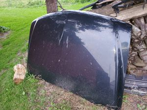 99-06 hood for Sale in Brownsville, WI