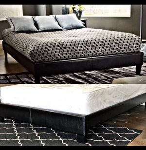 King true platform bed with mattress and free delivery for Sale in Austin, TX