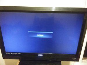 VIZIO flat screen 32 inch for Sale in West Seneca, NY