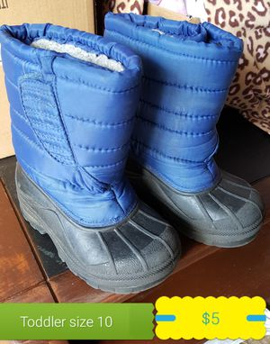 Toddler size 10 winter snow boots for Sale in Youngsville, NC