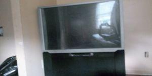 Floor big screen tv for Sale in Nicholasville, KY