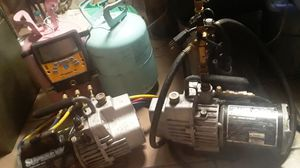 410a r22 vac pumps and digital micron gauge for Sale in Dallas, TX