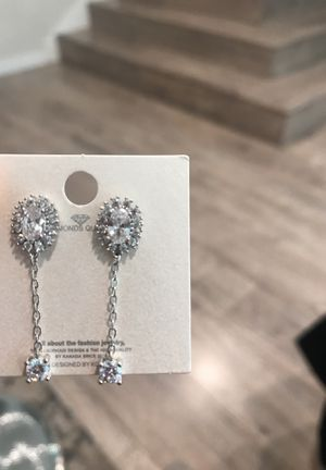 Diamond Tier drop earring! Made in Korea high quality! for Sale in Los Angeles, CA