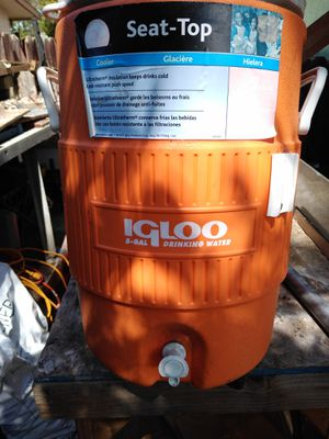 Igloo water cooler for Sale in Rio Linda, CA