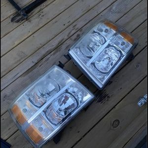 2008 Chevy Silverado Headlights for Sale in Aurora, IL