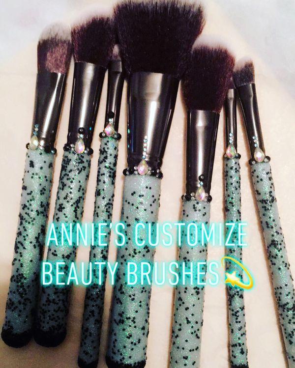 7 Piece custom makeup Brushes