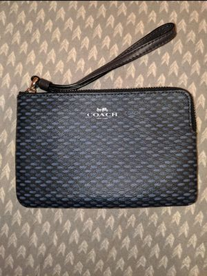Coach wristlet for Sale in East Meadow, NY
