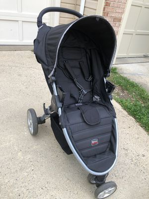 Britax B-Agile stroller, car seat, base and basinet travel set for Sale in Herndon, VA