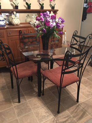 Lovely dining / kitchen glass table top + iron chairs for Sale in Azusa, CA