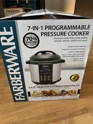 BUNDLE: Pressure Cooker, Microwave, Can Opener, Knives & Blender for Sale in Fresno, CA