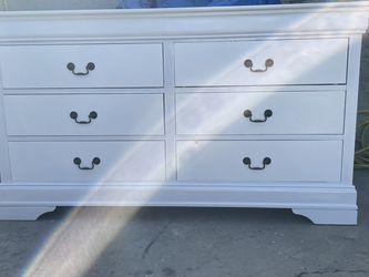 White & Black Dresser for Sale in South Gate,  CA