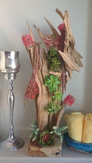 WOOD SCULPTURE for Sale in Perris, CA