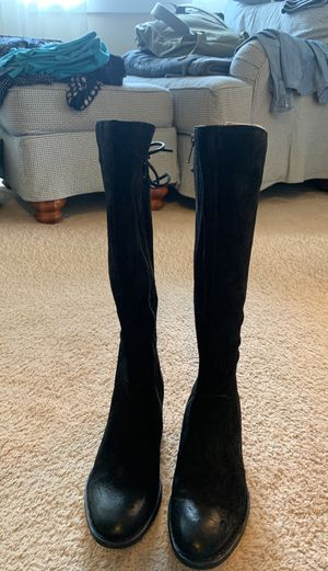 Bjorn Woman's Suede Boots for Sale in Yelm, WA