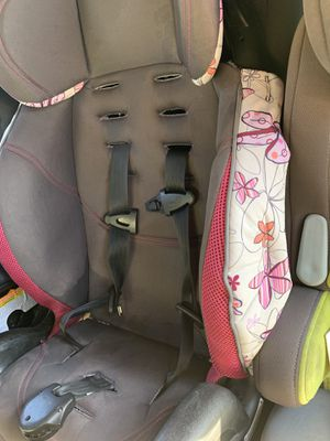 Pink car seat for Sale in San Tan Valley, AZ