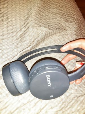 Sony bluetooth wireless water resistant sound canceling adjustable band rechargeable headset for Sale in Vancouver, WA