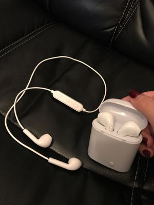 Two headphones for $5.00 for Sale in Shoreline, WA