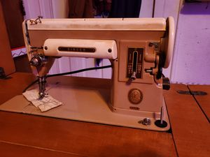 1951 Antique Singer 301a Sewing Machine in cabinet for Sale in Chicago, IL