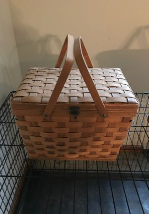 Picnic basket for Sale in Granville, OH