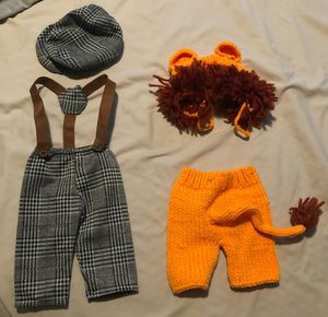 NewBorn clothing bundle! Only used for less than one month, first pic with Lion outfit only used for pictures. 82 size one diapers also included for Sale in Fort Lauderdale, FL