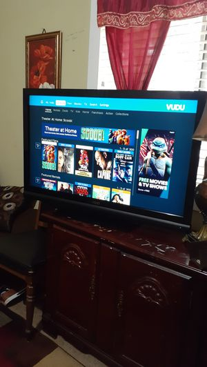 """Smart tv vizio 42"""" whit control remote in good condition for Sale in Raleigh, NC"""