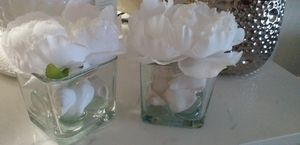 2 vases glass with flowers beautiful for Sale in Homestead, FL