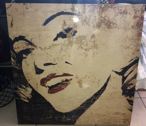 Marilyn Monroe picture frame 2 ft 3 inches wide and same on length for Sale in Miami, FL