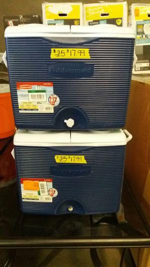 Rubbermaid cooler for Sale in Phoenix, AZ
