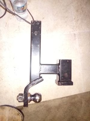 Reese tow hitch for an accessory component for Sale in Lemoore, CA