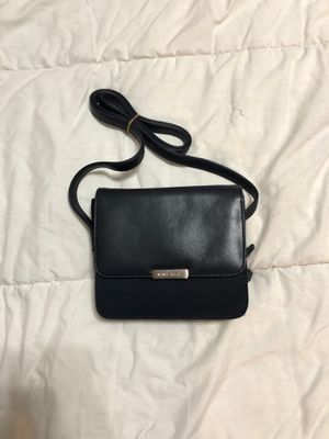Nine west cross body for Sale in North Aurora, IL