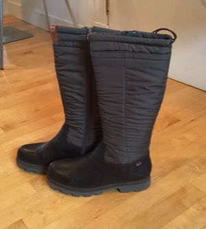 NWT Camper lug sole insulated snow boots size 9 women's ladies open to offers! for Sale in Cambridge, MA