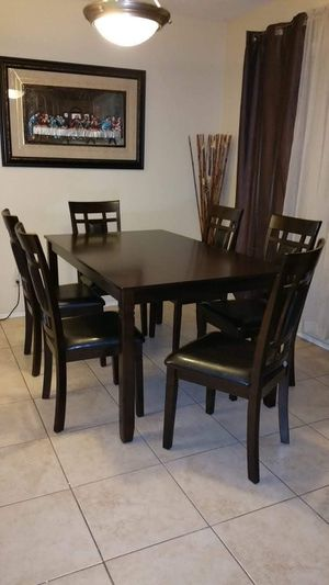 TABLE AND SIX CHAIRS SET for Sale in Scottsdale, AZ