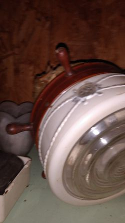 Light fixture for Sale in Gladewater,  TX